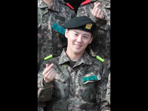 [TRANS] Junsu's comrade's comments + he's doing well in army training 😊