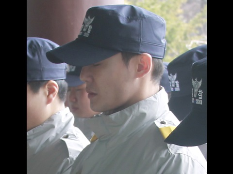 [HD PICS] 170329 Photos of Kim Junsu in 1084th unit's 3rd week of training at Conscripted Policemen Education Center