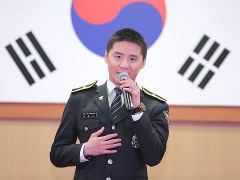 [HQ PIC] 170513 Gyeonggi Nambu Police scene sketch – Kim Junsu at Family Month event