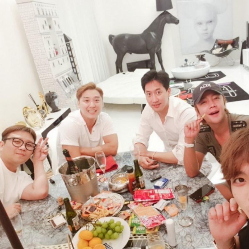 [INSTAGRAM] 170727 Kim Jaejoong Instagram Update: With Jang Geun Suk and Other Friends