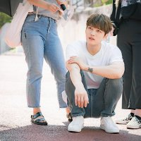 [PICS/SNS] 170918 KBS Drama Naver: People of the world! Please look how lovely our Pil is! #ManHole