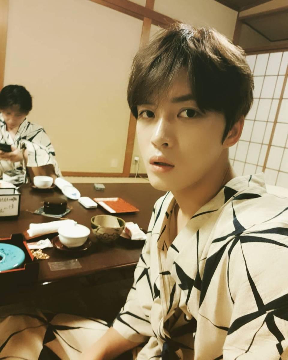 [INSTAGRAM] 171021 Kim Jaejoong IG Update: In Kyoto + Selfie + Monkey + Rain Man