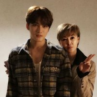 [OTHER TWITTER] 171120 Kim Suk Jin (Anna) Twitter Update: New Profile Picture with her brother Kim Jaejoong
